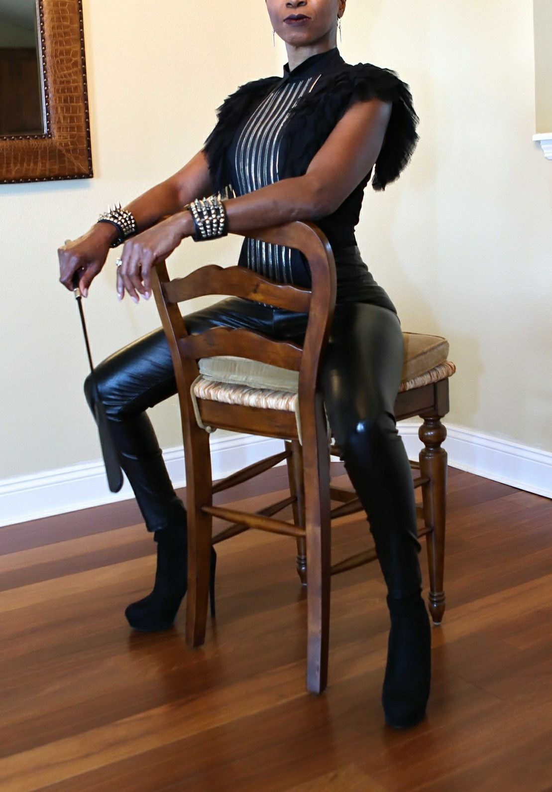 Tampa Bay Dominatrix, Florida   Tampa Mistress, Bondmassage, Tampa Prostate Massage, ebony mistress, sensual Dominatrix, Empress Raven , Tampa Bay Dominatrix, bdsm
