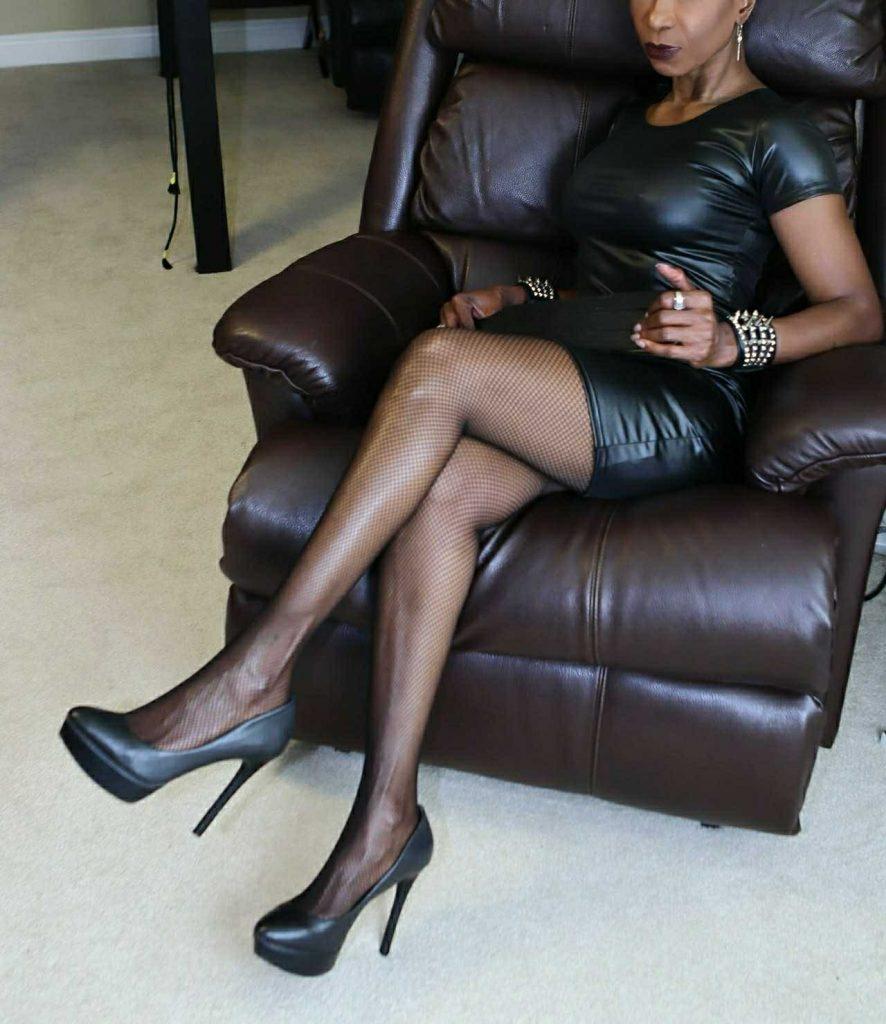 Elite Dominatrix In Tampa Bay, Florida   Tampa Mistress, Bondmassage, Tampa Prostate Massage, ebony mistress, sensual Dominatrix, Empress Raven , Tampa Bay Dominatrix, bdsm, flr